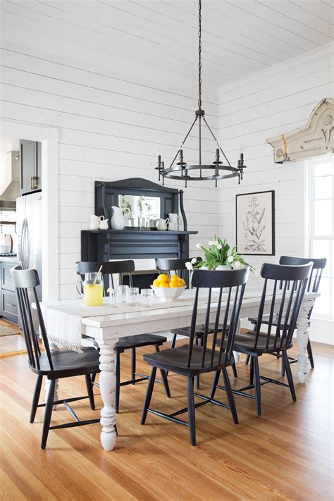 chip and joanna gaines magnolia house b b tour fixer decorating inspiration