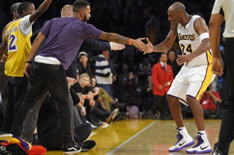 kobe bryant bench press watch nba honors kobe bryant with the ultimate christmas
