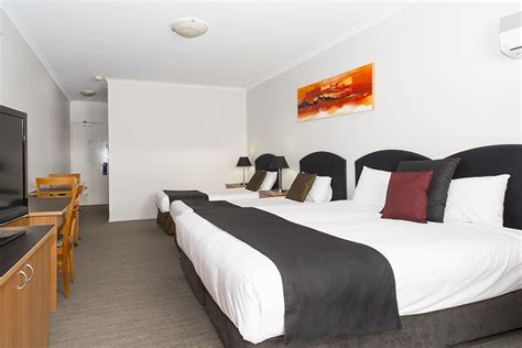 pictures of small family rooms family rooms alpha hotel canberra tuggeranong accommodation