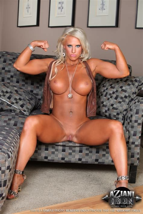 Strong Blonde Lady Showing Her Big Natural Xxx Dessert