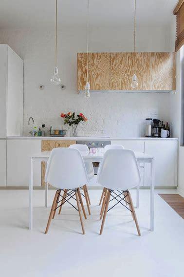 peinture table cuisine repeindre meubles de cuisine en blanc et plaque