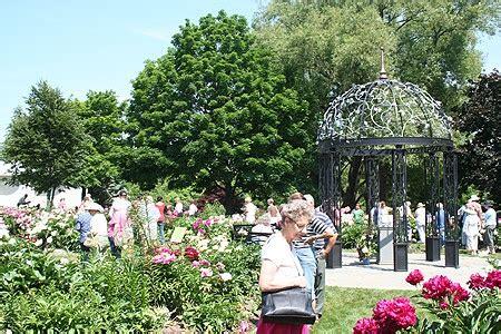 Oshawa Botanical Gardens Oshawa Valley Botanical Gardens Oshawa Favorites Pinterest