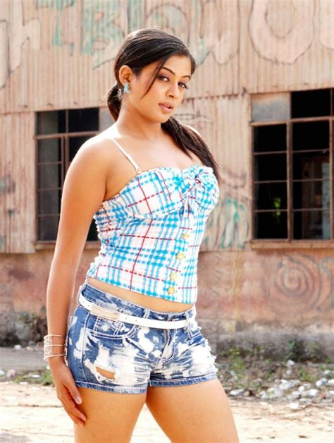 south actress thigh pics south indian actresses thigh show in shorts aali lahar