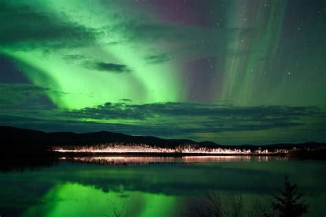 borealis northern lights tours yukon yukon northern lights tour ex whitehorse journeys