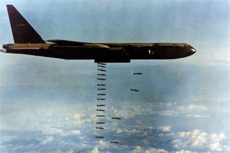 War On Terror Pesawat 3pcs How The Air Plans To Keep The B 52 Bomber Flying For