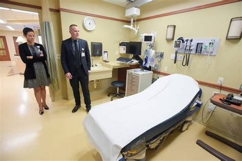 elmhurst hospital emergency room elmhurst hospital completes expansion of emergency department