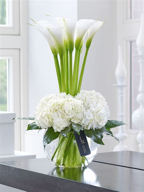 How To Arrange Lilies In A Vase by 25 Best Ideas About Calla Centerpieces On Calla Centerpiece Centerpieces
