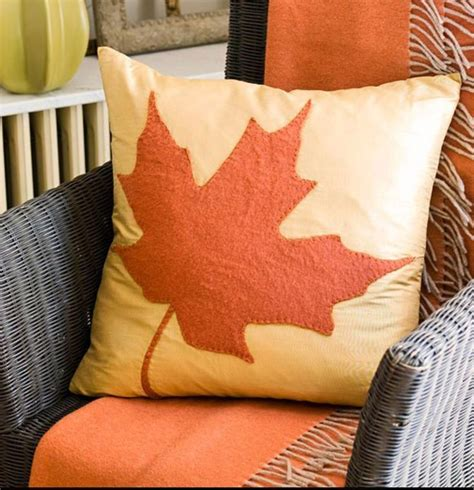 Fall Pillows by Pillow For Tricia To Make Fall In New