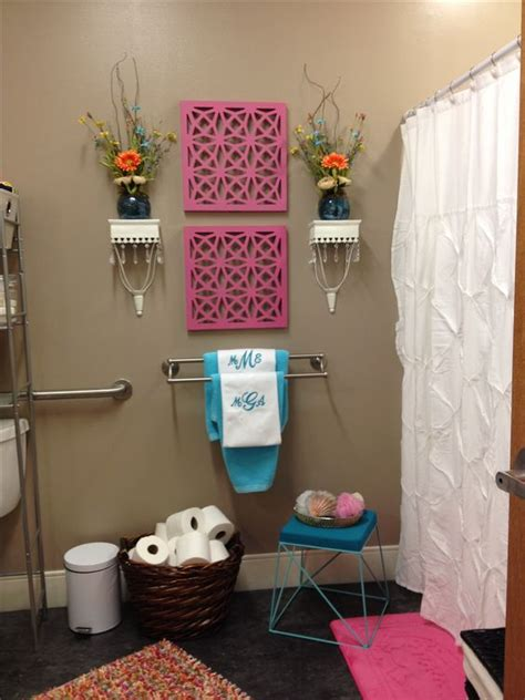dorm room bathroom decorating ideas dorm bathroom bathrooms decor and bathroom on pinterest