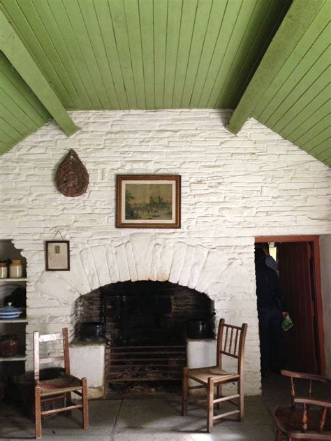 Cottage Wall by Best 25 Cottage Decor Ideas On
