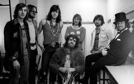 electric light orchestra members former member of elo killed by hay bale while driving