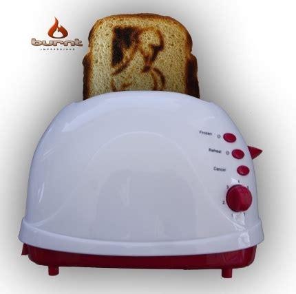 Toaster Roti Bakar toaster ini bisa mencetak gambar dan pada