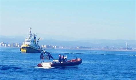 capitaneria di porto corigliano calabro esercitazione antinquinamento nel mare di corigliano calabro