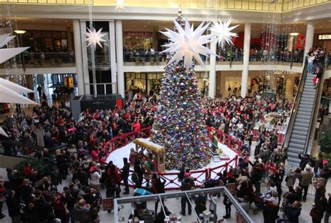 staten island mall draws protest for nixing holiday events