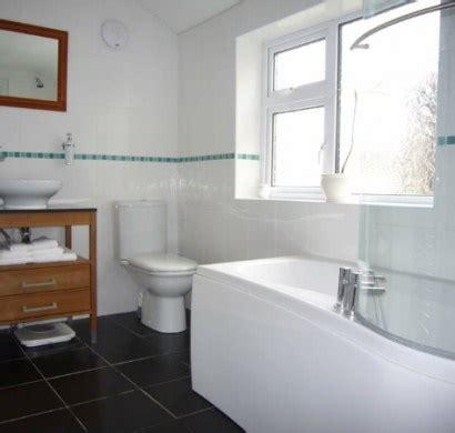kleine badezimmer lösungen sch 246 ne l 246 sungen f 252 r kleine b 228 der