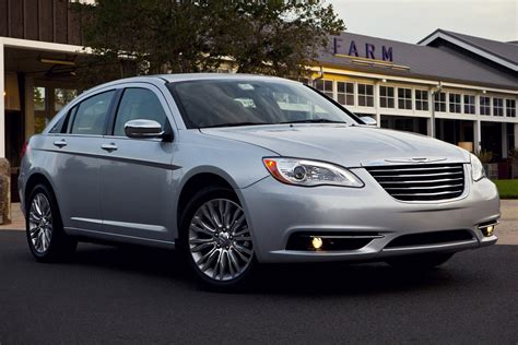 picture of 2013 chrysler 200 sedan