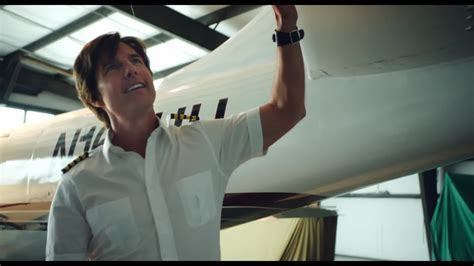 film 2017 american american made review tom cruise lands a role worthy of