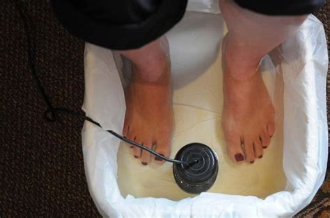 Eb Pro Detox Foot Bath Reviews by A Skeptical Novice Tries Out An Ionic Tootsie Detox 831