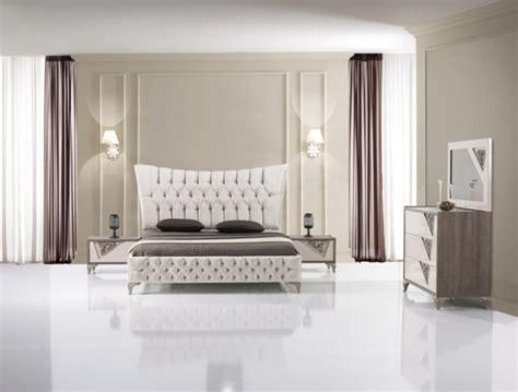bett für matratze 100x200 schlafzimmer wandfarbe braun