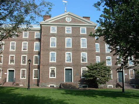 Brown Mba by File Brownuniversity Universityhall Jpg Wikimedia Commons