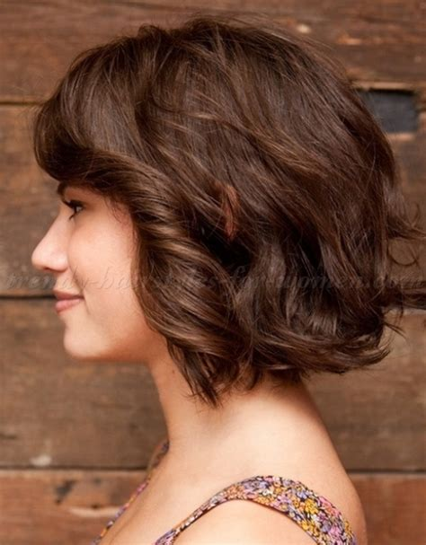 bob haircut   wavy bob hairstyle   trendy hairstyles for women.com