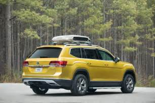 Pet Window Seat - vw atlas weekend edition concept coming to chicago auto show