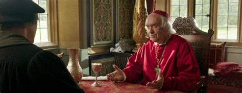 wolf hall set to spark demand for tudor homes like these m 225 s de 25 ideas incre 237 bles sobre jonathan pryce en