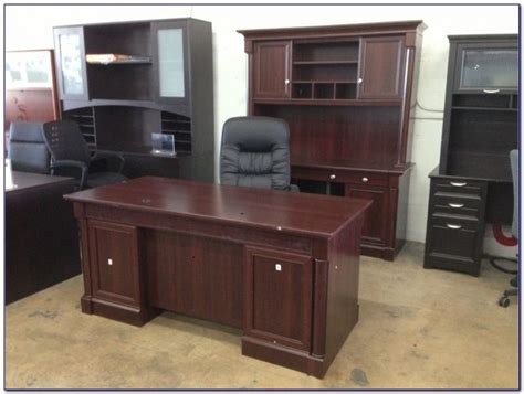 sauder palladia executive desk in vintage oak sauder palladia executive desk assembly