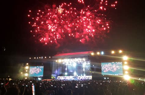 concert with fireworks 03 one direction proved to be the best boy band