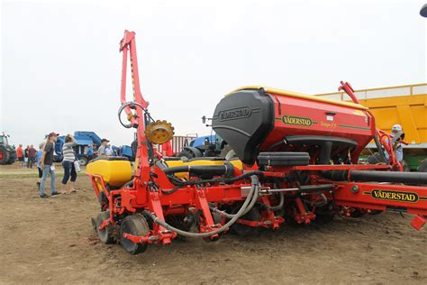High Speed Planter blackburnnews perth county farmer wins high speed