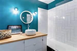 bleu dans la salle de bains 10 inspirations d 233 co c 244 t 233