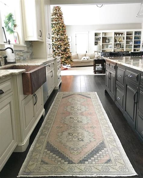 Kitchen Sink Rug 17 Best Ideas About Vintage Farmhouse Sink On Vintage Kitchen Sink Farm Style