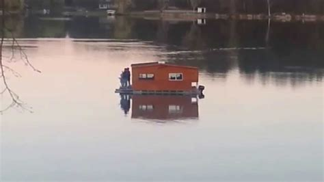 redneck house boat redneck pontoon houseboat now have we seen it all youtube