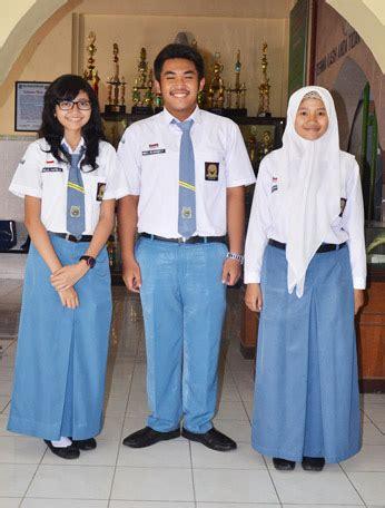 Seragam Anak Sekolah model seragam sekolah pelajar indonesia dari masa ke masa