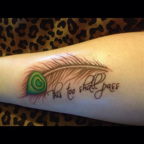 32 small feather tattoo that will make you want to get inked