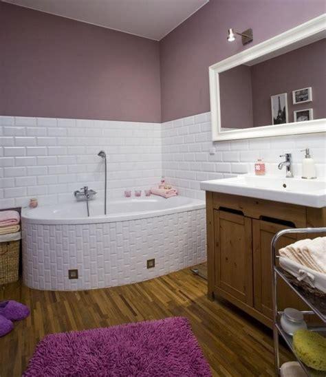lila und graues badezimmer bad streichen ist spezielle farbe im badezimmer notwendig