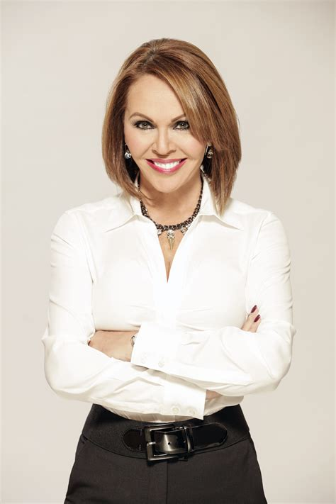maria elena salinas mar 237 a elena salinas to be inducted into nab broadcasting