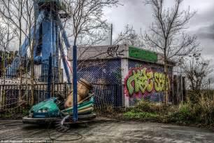 theme park year 6 eerie images show new orleans six flags amusement park