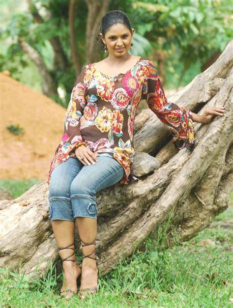 dulani sri lankan actress world popular actress models girls and other beauty sri