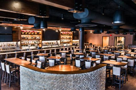 pour house oakbrook old town pour house opens in oak brook chicago tribune