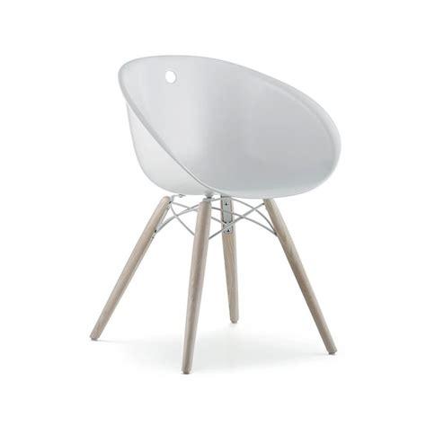 chaise pedrali gliss 904 chaise coque pieds bois pedrali