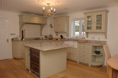 Haslemere Building Services: Kitchen Fitter, Carpenter