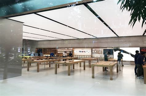 apple singapore the apple store on orchard road singapore has been