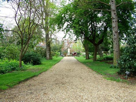 types of gravel for garden paths chelsea physic garden
