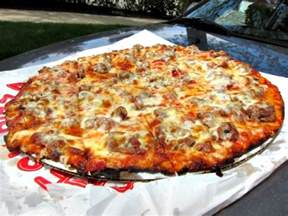 South Pizza Chicago Obbie S Pizza Is A Garfield Ridge Institution