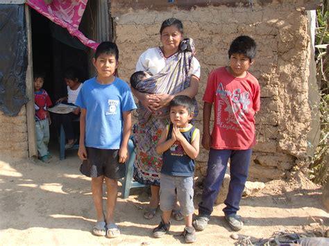 imagenes de la familia rural pobreza c 225 ritas arquidiocesana de guatemala