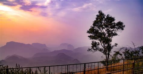 charming places  visit  pachmarhi