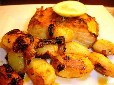 cuisiner morue dessal馥 recette de morue au four et ses pommes de terre bacalhau