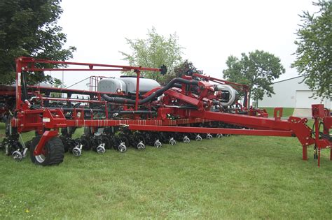 Ih Planters by Ih Row Planter Offers New Option 2012 08 13