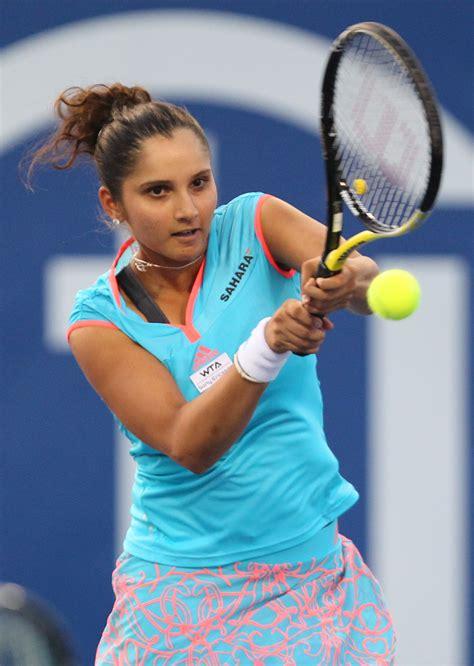 Sania Ruffle F 04 file sania mirza at citi open tennis july 30 2011 2 jpg wikimedia commons
